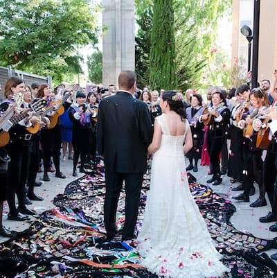 tuna femenina bodas